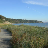 Seattle Trails: A trail along the water at Discovery Park