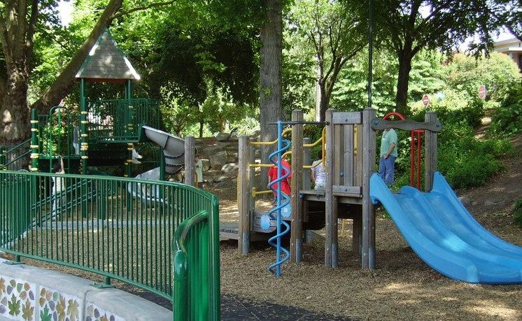 Seattle playgrounds reopening